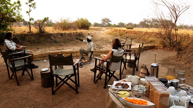 REMOTE AFRICA SAFARIS Chikoko Tree Camp breakfast fresh morning air